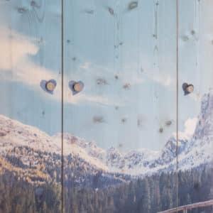 Kleiderschrank mit Winterbild