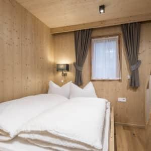 Französisches Bett im Chalet Winter